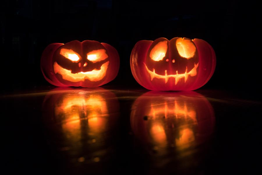 Carved Pumpkins Light Twins