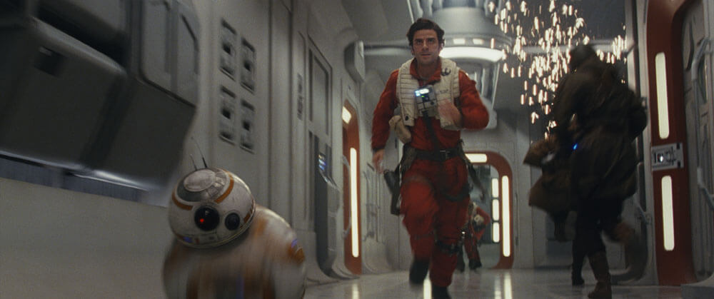Poe Running With BB8 In The Last Jedi