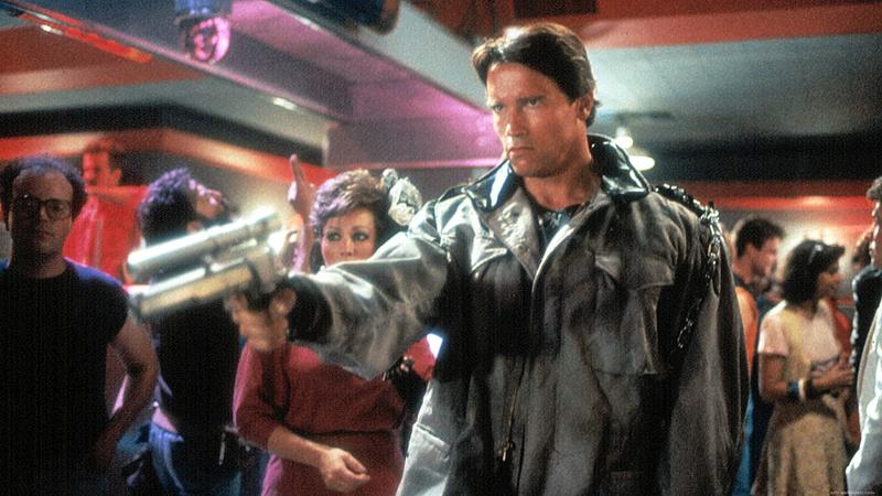 Terminator 1, arnold pointing gun at club