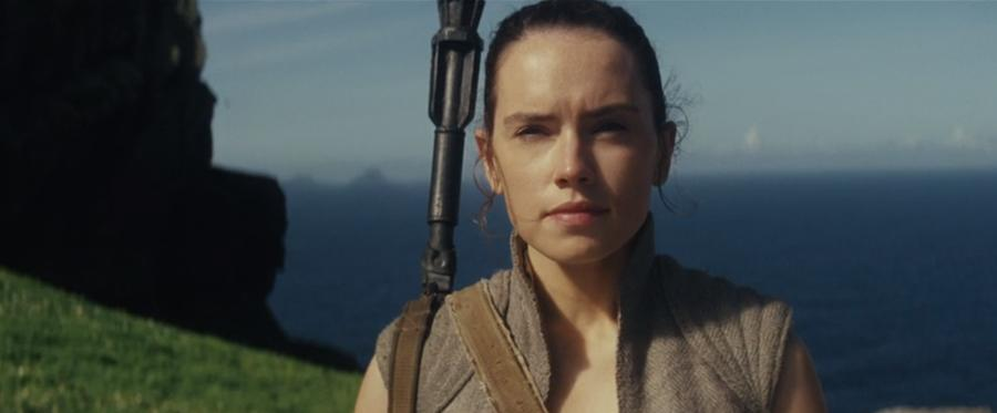 first scene with rey from the last jedi